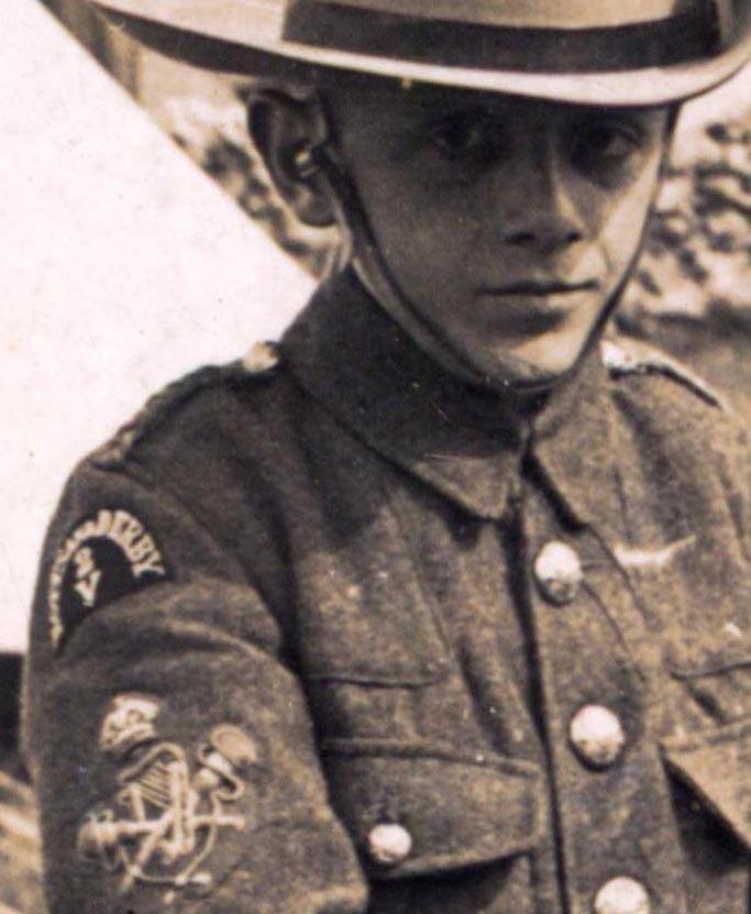 1905_Badge