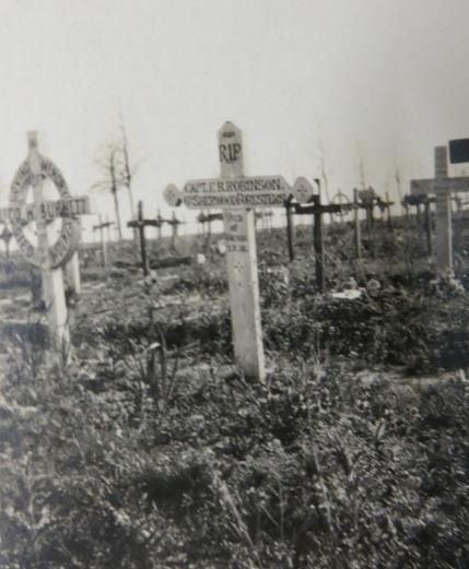 Robinson_FB grave