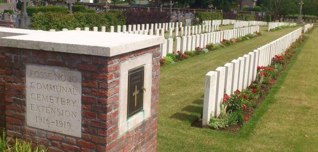Fosse 10 cemetery